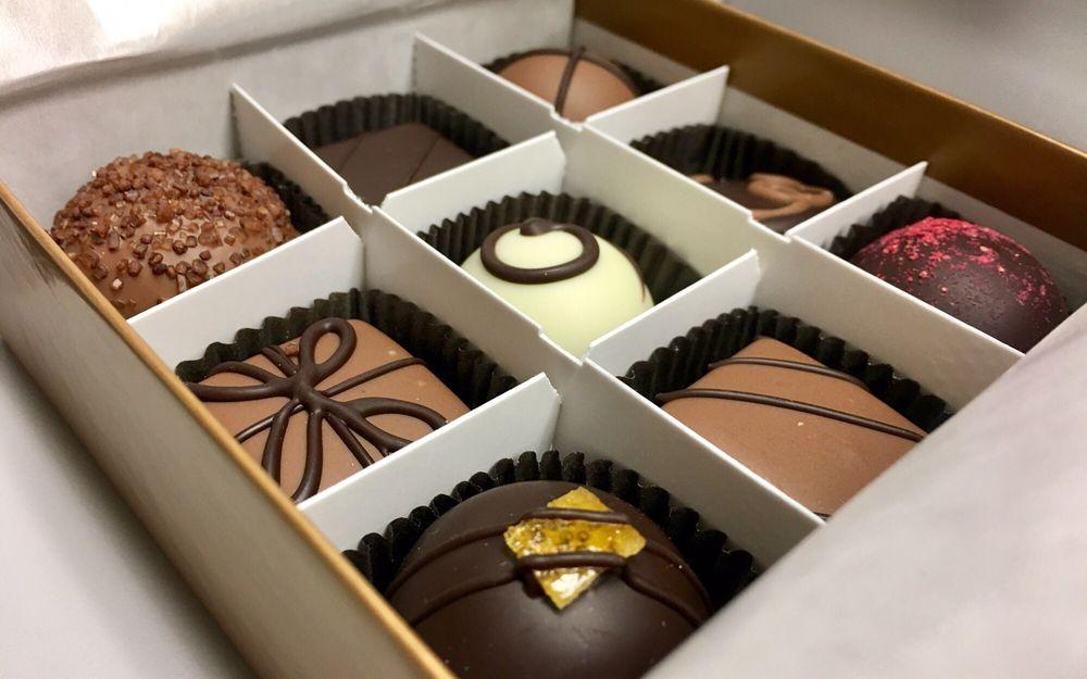 Moonstruck Chocolate Cafe: 608 SW Alder St, Portland, OR