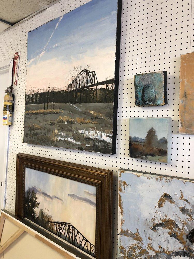 Lorrie Lane Gallery: 2420 6th St, Tuscaloosa, AL