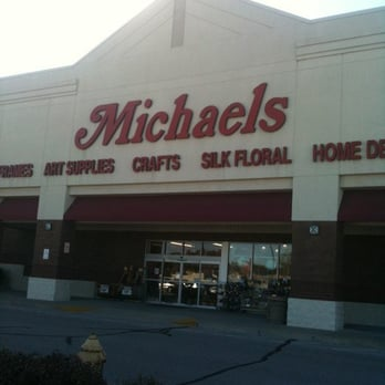 Michaels arts crafts 129 gravois bluffs plaza dr for Michaels crafts phone number