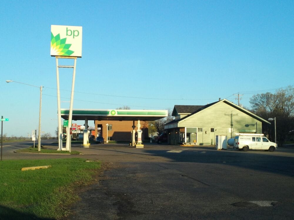Mike's Standard Service: 1313 Coulee Rd, Hudson, WI