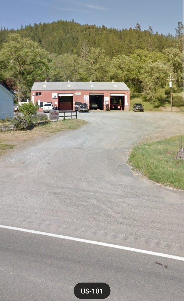 Graviers Tire & Auto: 45501 Highway 101, Laytonville, CA
