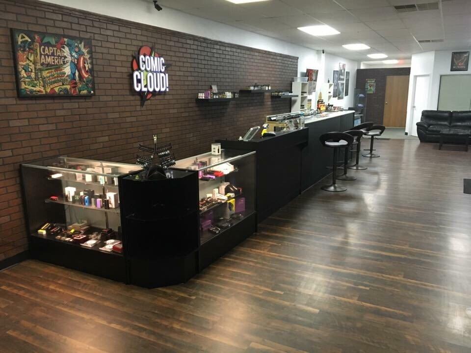 Comic Cloud Vapor Lounge: 2073 W 4th St, Ontario, OH
