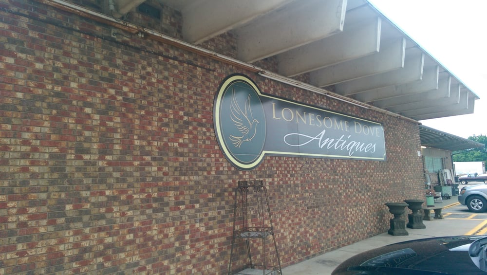 Lonesome Dove Antiques: 901 S Mississippi Ave, Atoka, OK