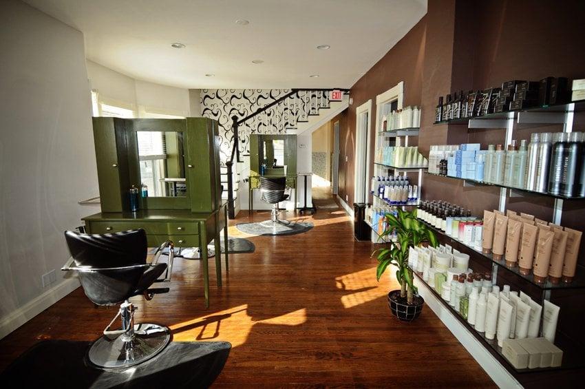 Elle Salon And Spa: 15 E 1st St, Eureka, MO