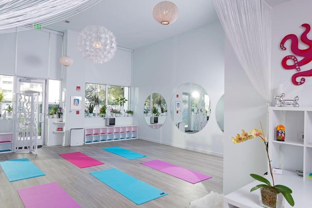 YogaMix Orlando: 420 E Church St, Orlando, FL