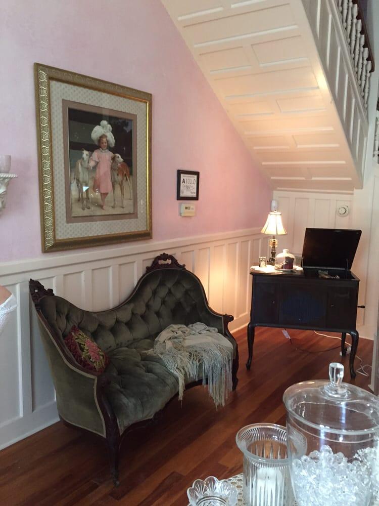 Old Buggy Inn: 301 McReynolds St, Carthage, NC