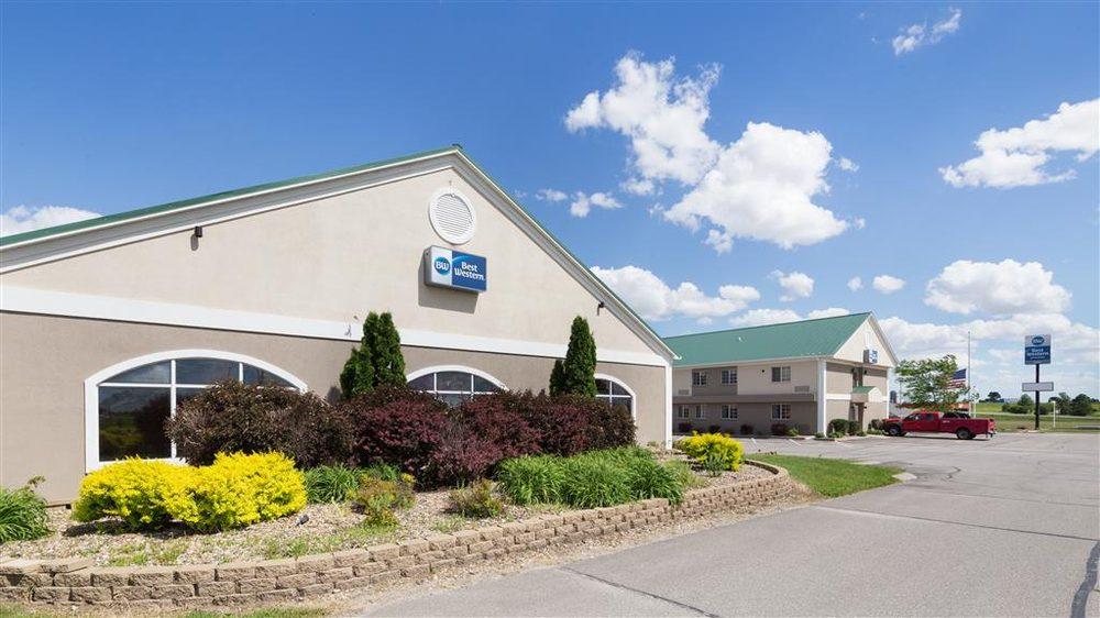 Best Western Pioneer Inn & Suites: 2210 West St S, Grinnell, IA