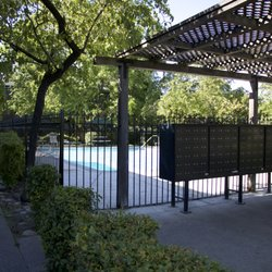 Country Club Village - 20 Photos - Apartments - 2733 Country Club ...