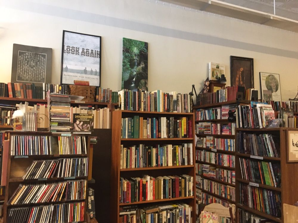 The Village Booksmith: 526 Oak St, Baraboo, WI