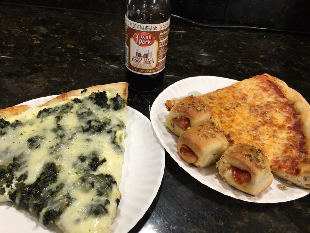 Pepe's Royal Pizzeria: 711 Medford Ave, East Patchogue, NY
