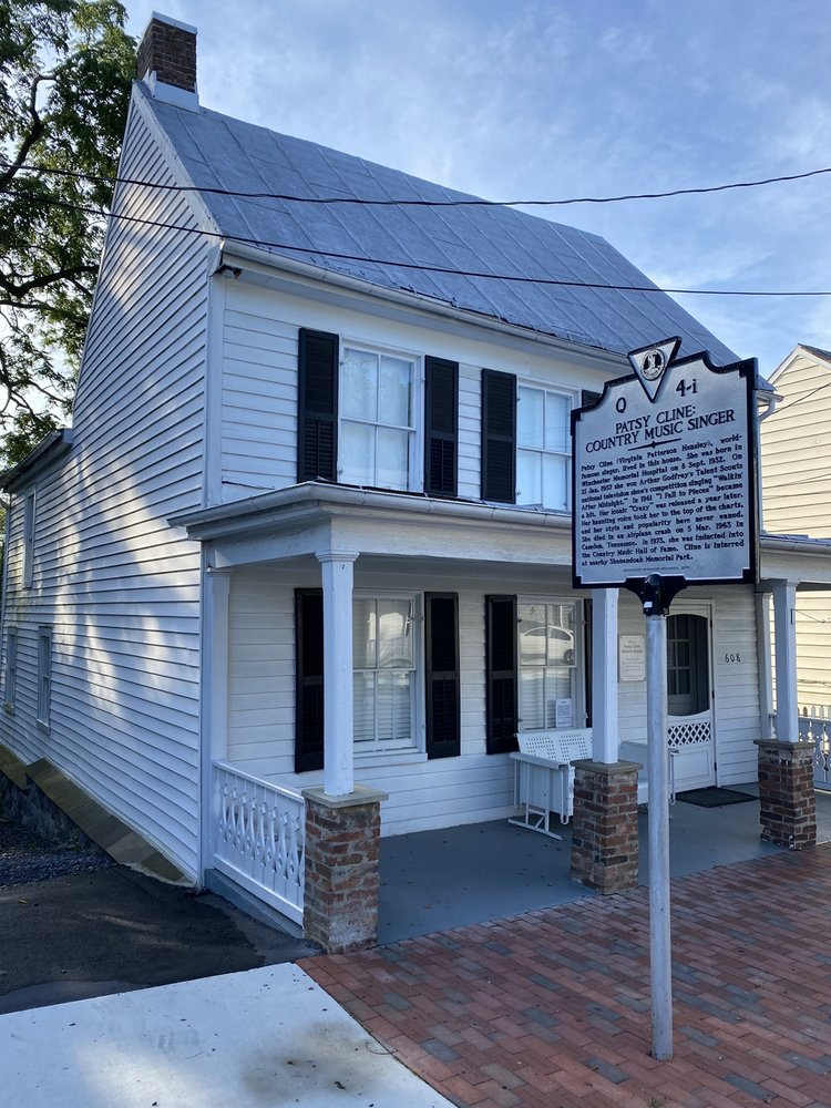 Patsy Cline Historic House: 608 Kent St, Winchester, VA