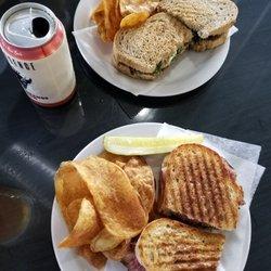 2 City Eatery