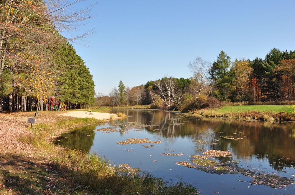 Yukon Trails RV & Camping Resort: N2330 County Road HH, Lyndon Station, WI