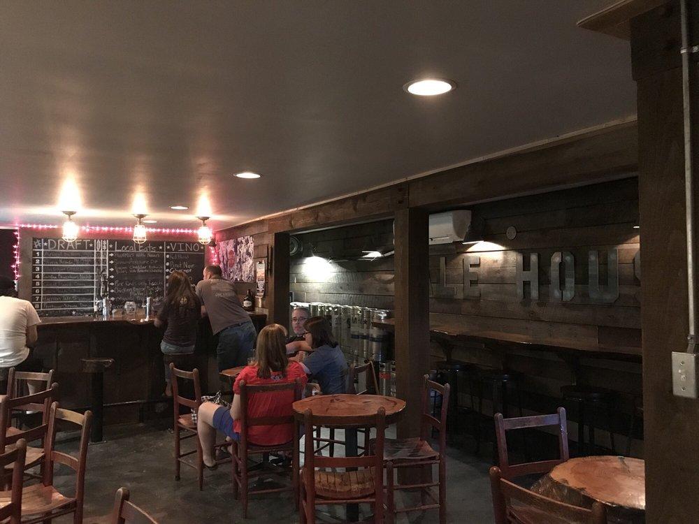 Appalachian Ale House: 205 E Main St, Pickens, SC