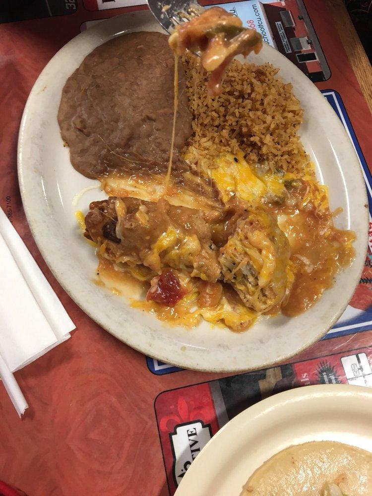 Jaramillo's Mexican Restaurant: 102 E Coliseum Dr, Snyder, TX