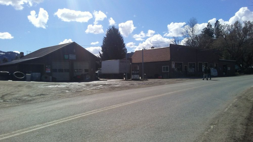 Blue Creek Mercantile: 1677 W Blue Creek Rd, Chewelah, WA