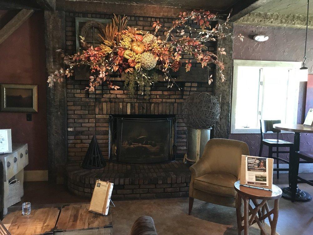Thorncreek Winery & Gardens: 155 Treat Rd, Aurora, OH