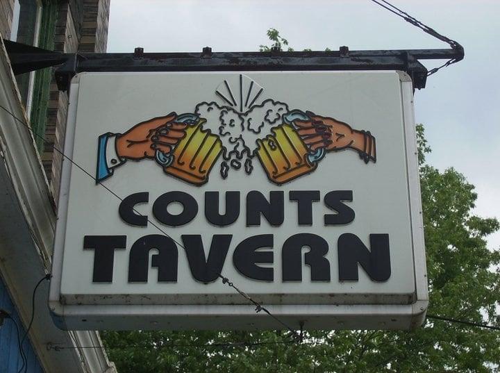 Count's Tavern: 910 Pennsylvania Ave W, Warren, PA