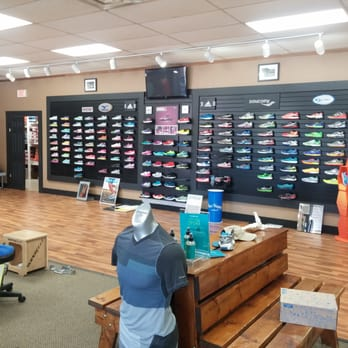Downtown Berkeley Shoe Store