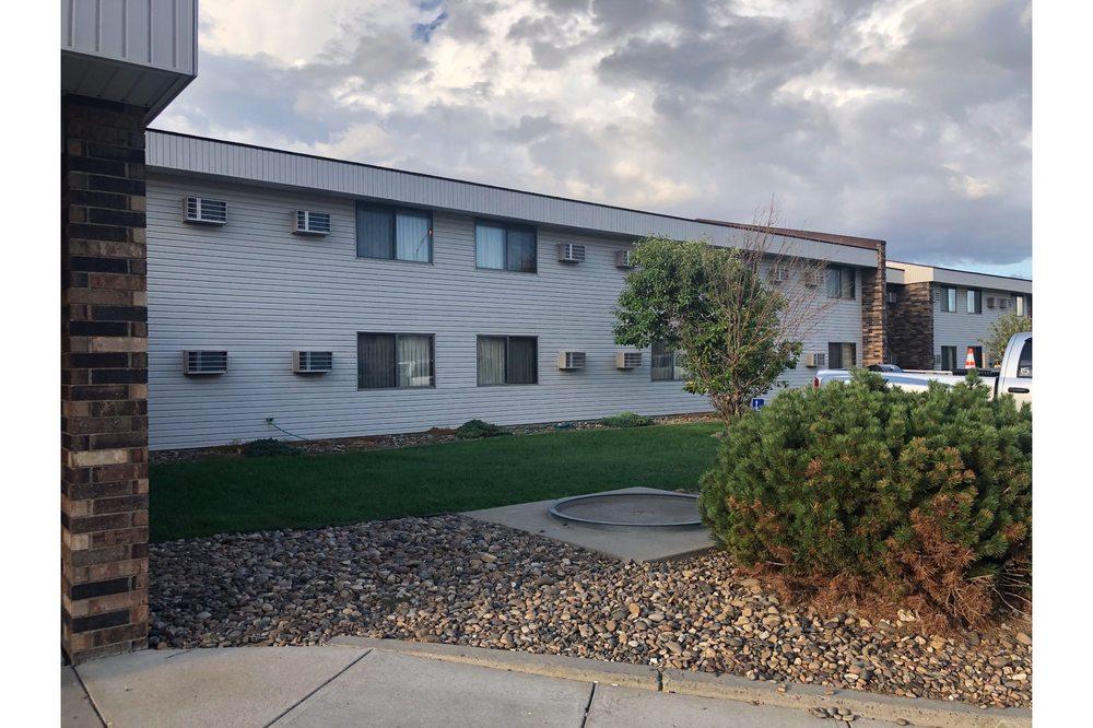 OYO Hotel Glendive - Yellowstone River: 2000 N Merrill Ave, Glendive, MT