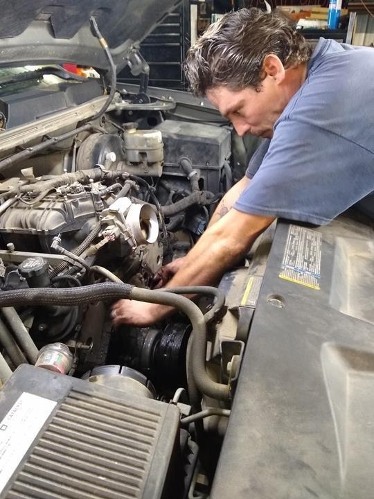 Jakes Auto Repair: 754 Industrial Rd, Centerville, TN