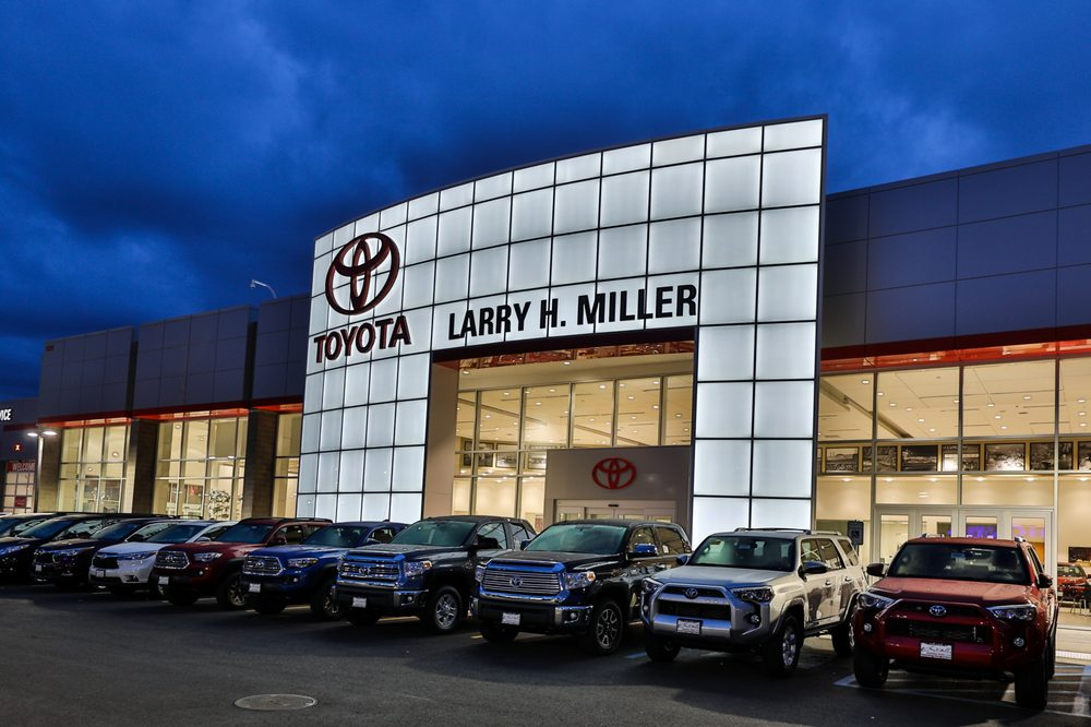 Larry H Miller Downtown Toyota Spokane 45 Reviews Car Dealers 1128 W 3rd Ave Wa Phone Number Yelp