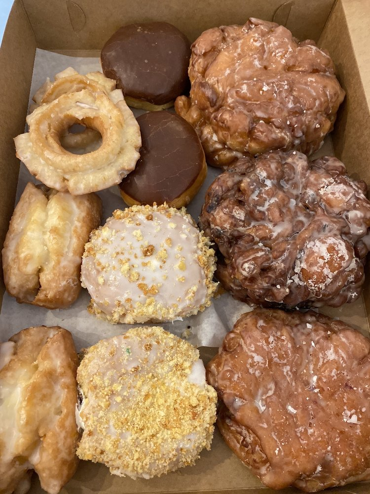 Granny's Donuts & Sandwiches: 704 Randolph St, Thomasville, NC