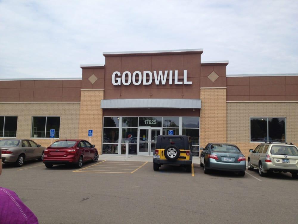 goodwill tr dler 17625 kenrick ave lakeville mn. Black Bedroom Furniture Sets. Home Design Ideas