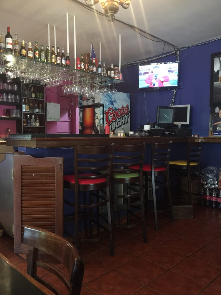 Tacomiendo: Carretera 169 Km 2.3, Guaynabo, PR