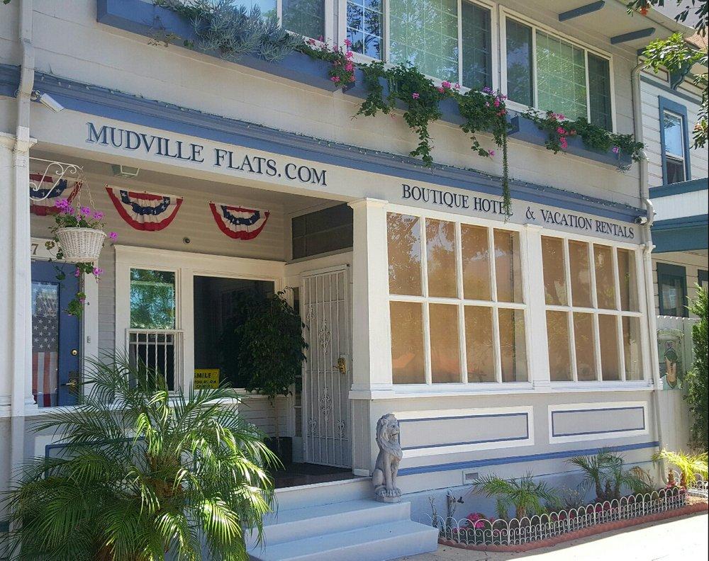 Mudville Flats Boutique Hotel