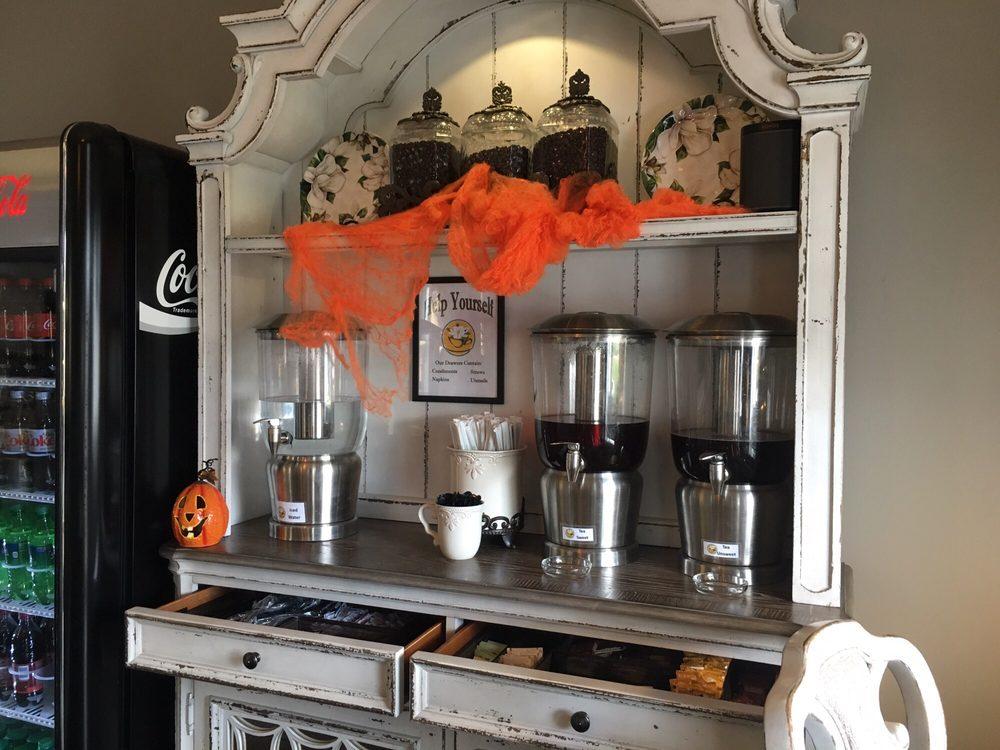 Front Porch Inn & Coffee Club: 100 McDuffie St, Buena Vista, GA