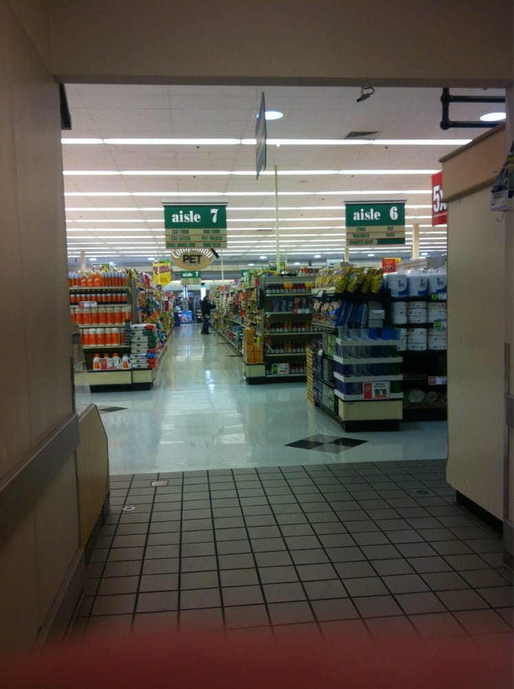 Giant Food Stores: 6100 Cressona Mall, Pottsville, PA