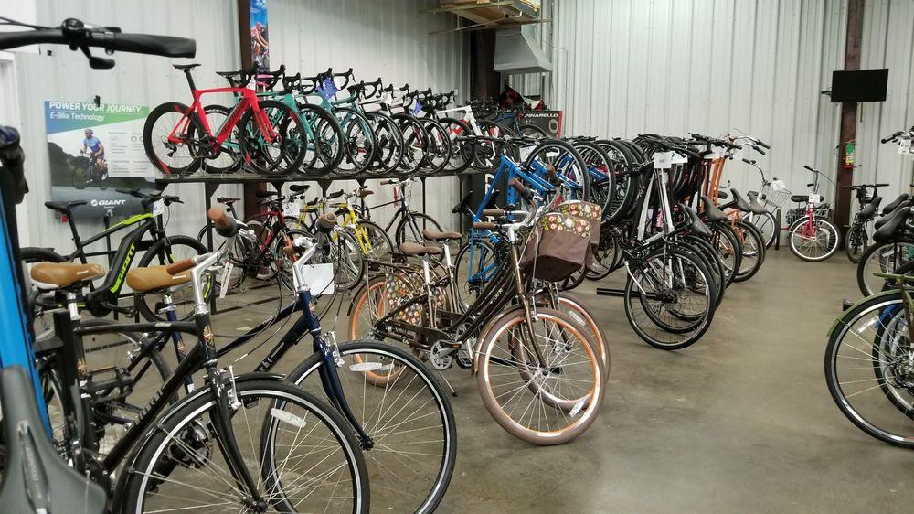 Bicycle World: 701 Jefferson Hwy, Jefferson, LA