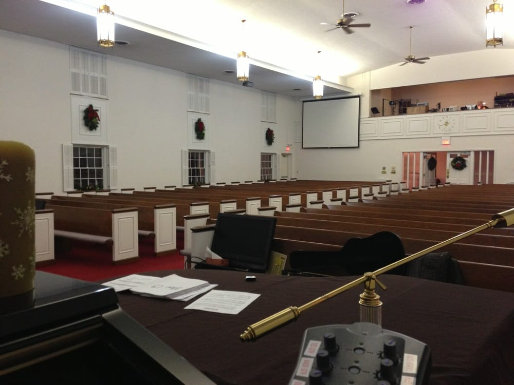 Brownstown Christian Church: 703 W Spring St, Brownstown, IN