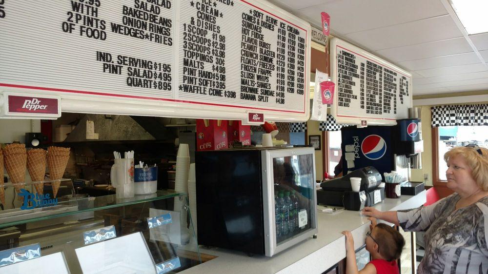 Terry's Drive-In Broaster Chicken: 411 Hwy 81-92, Osceola, NE