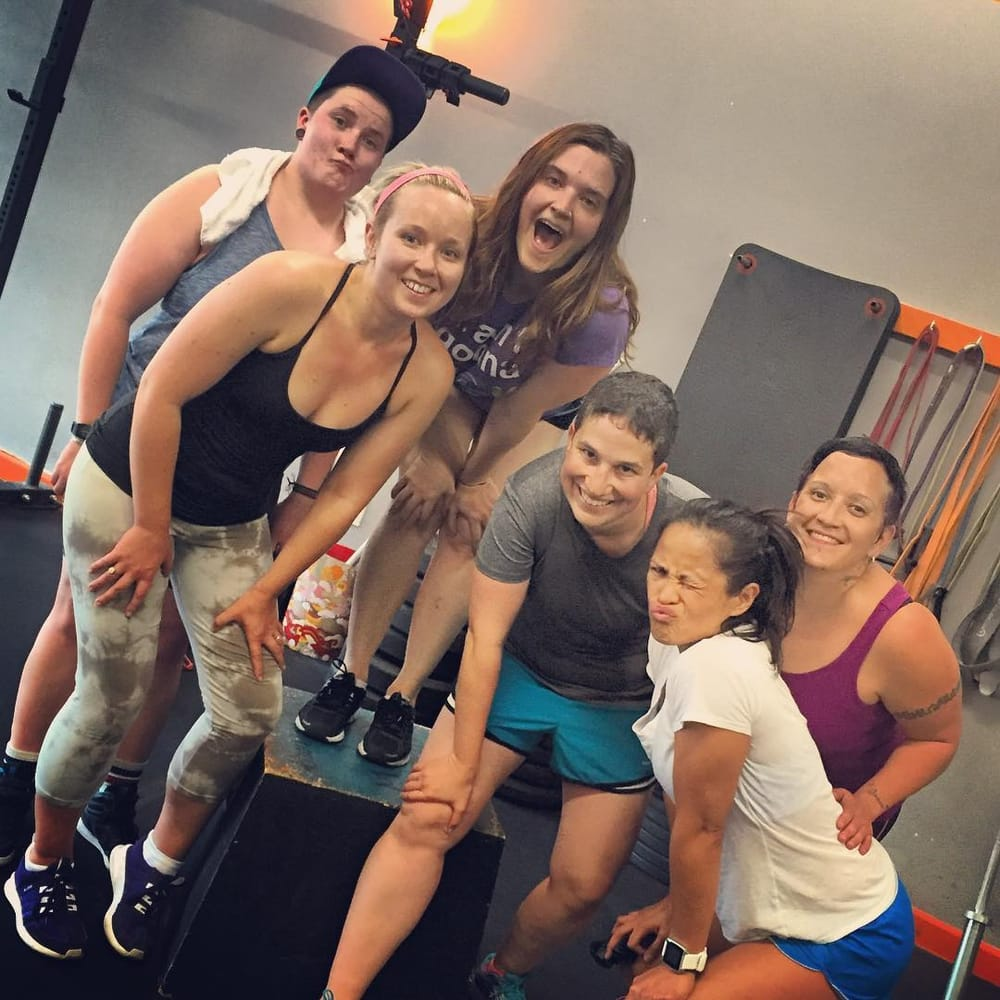 Seattle Personal Trainers Offer LGBTQ Specific Boot Camp for June Weddings