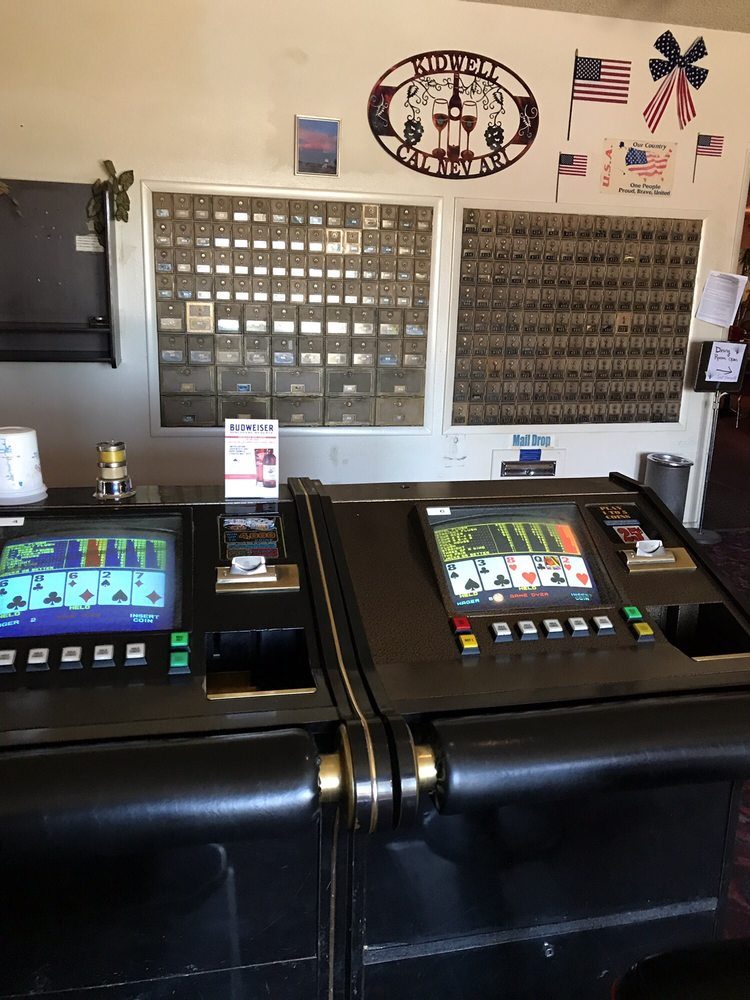Cal-Nev-Ari Casino & Bar: 1 Piute Valley Dr, Searchlight, NV
