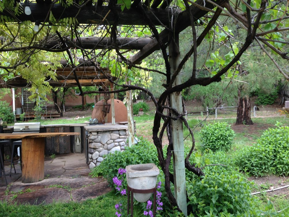 Rancho Manzana: 26 Camino De Mision, Chimayo, NM