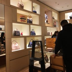 f0c01e2769d464 Saks Fifth Avenue - 18 Photos   26 Reviews - Shoe Stores - 230 Walt ...