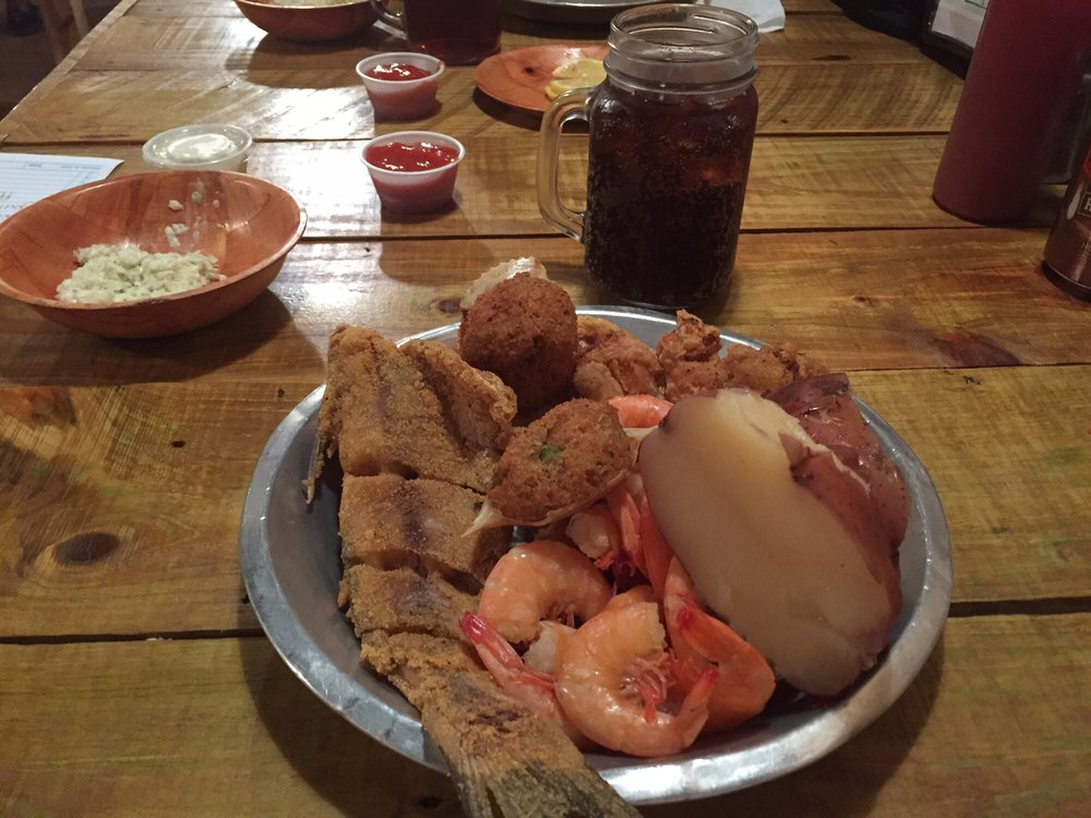 Singleton Fish House: 107 North Pearl St, Carthage, MS