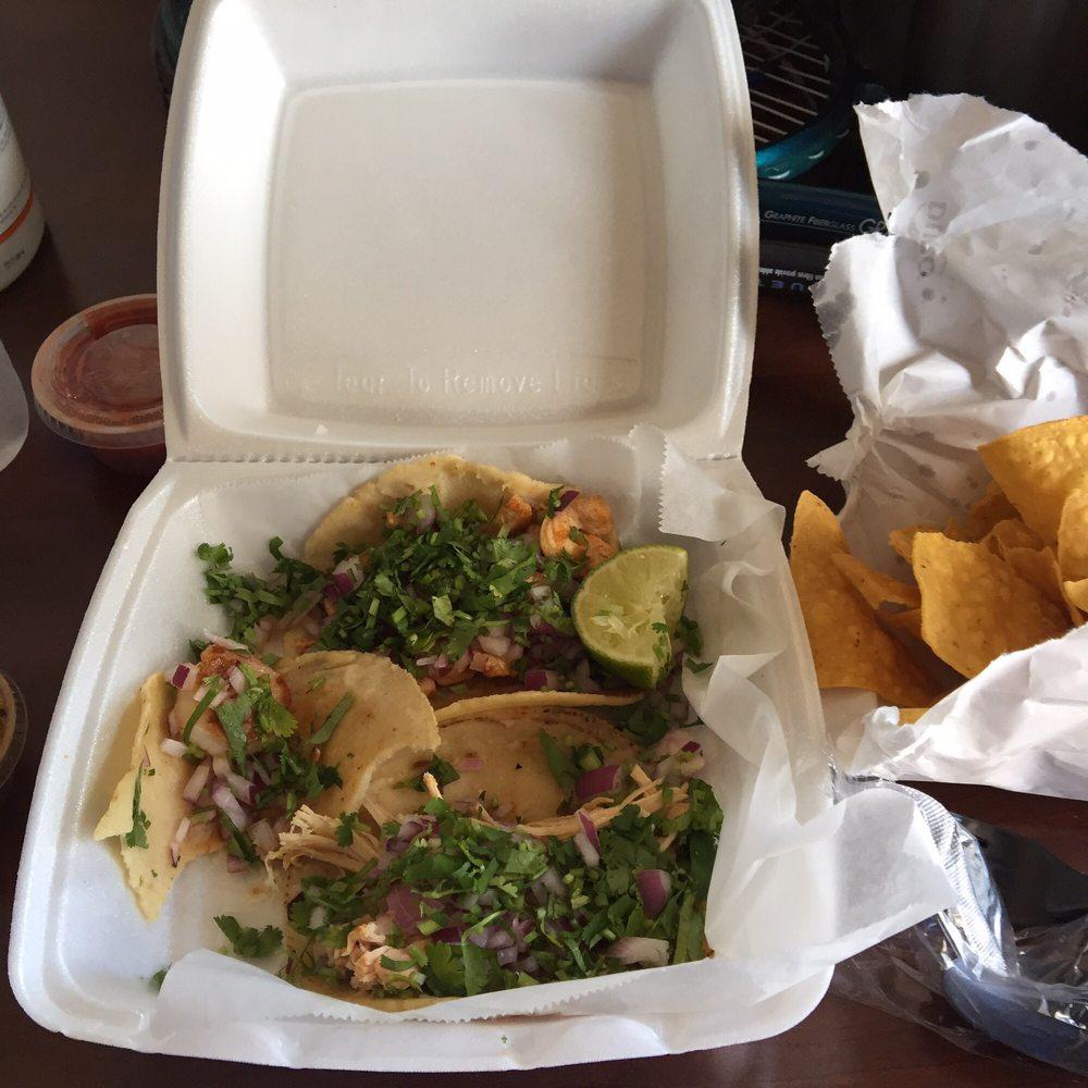 Food from Taqueria el POLLO