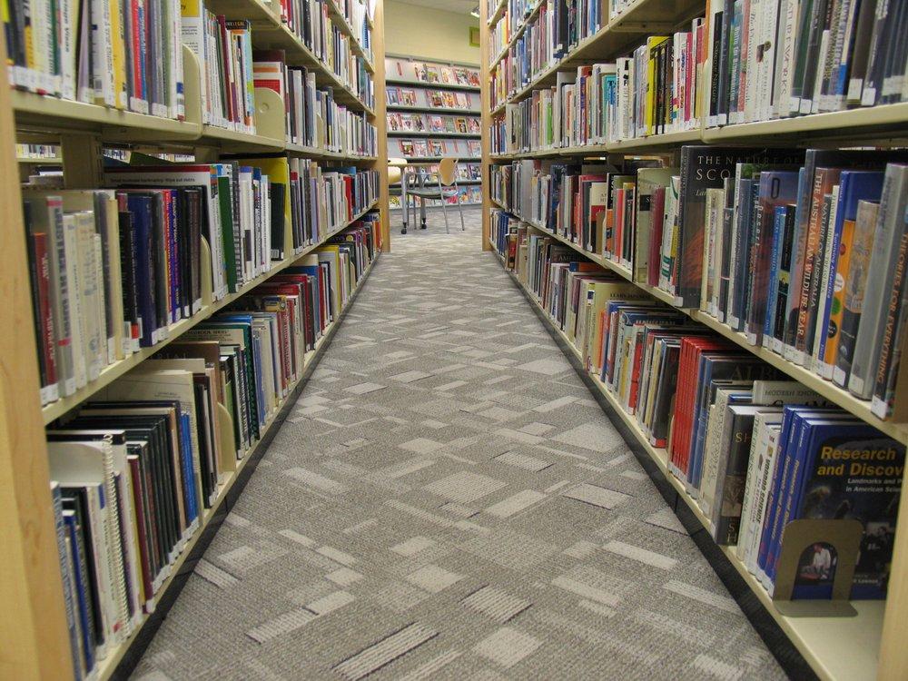 Dundee Library: 555 Barrington Ave, East Dundee, IL