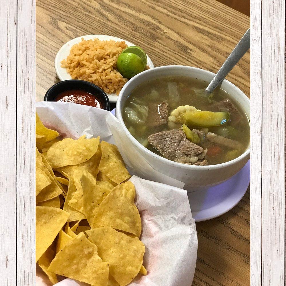 Emilianos Pizza & Mexican Restaurant: 240 Vinton Rd, Vinton, TX