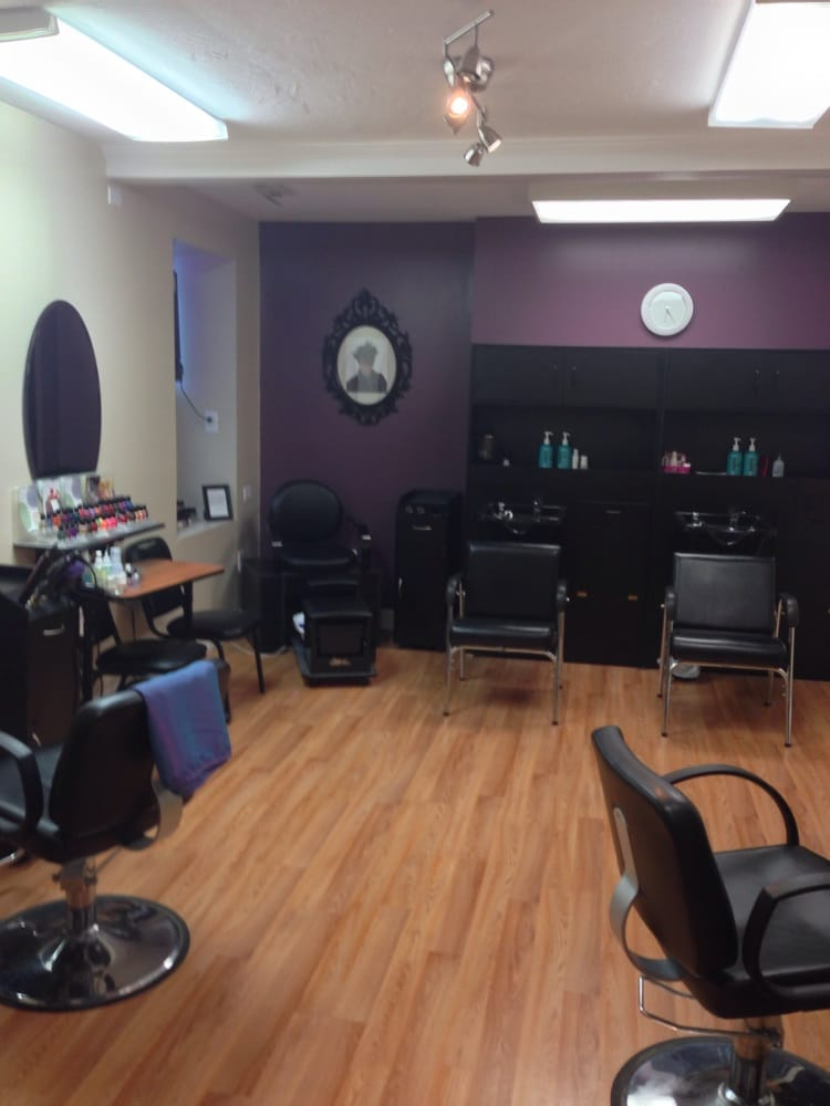 Pompadour Salon: 3830 Brownsville Rd, Pittsburgh, PA