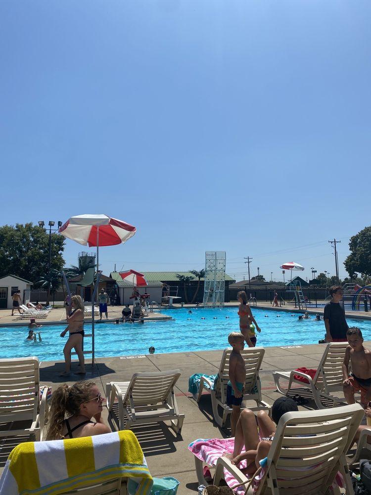 Alma Family Aquatic Park: 731 City Park Rd, Alma, AR
