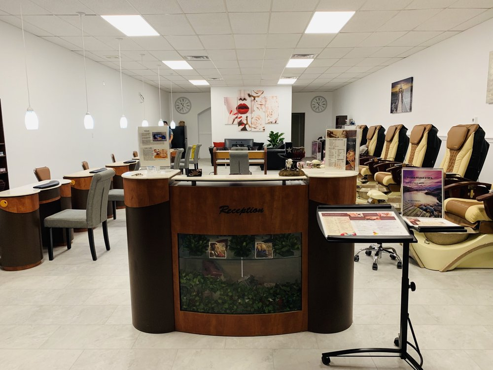 Texas Nails & Spa: 303 S Commercial St, Harrisburg, IL