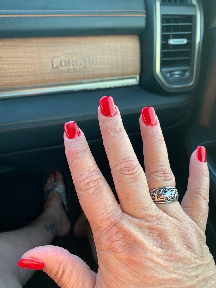 California Nails: 513 E Yeagua St, Groesbeck, TX
