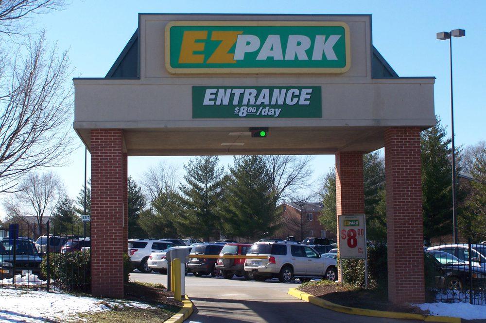 Ez Park: 4531 Crestshire Ln, Saint Ann, MO