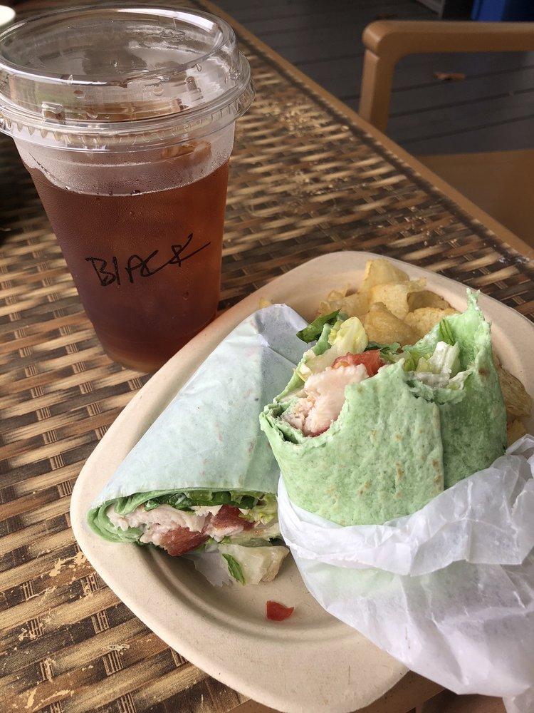 Surf Break Cafe: 28-1690 Old Mamalahoa Hwy, Honomu, HI