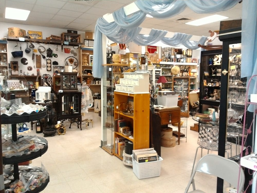 Crown Antique Mall: 1710 Mall Run Rd, Uniontown, PA